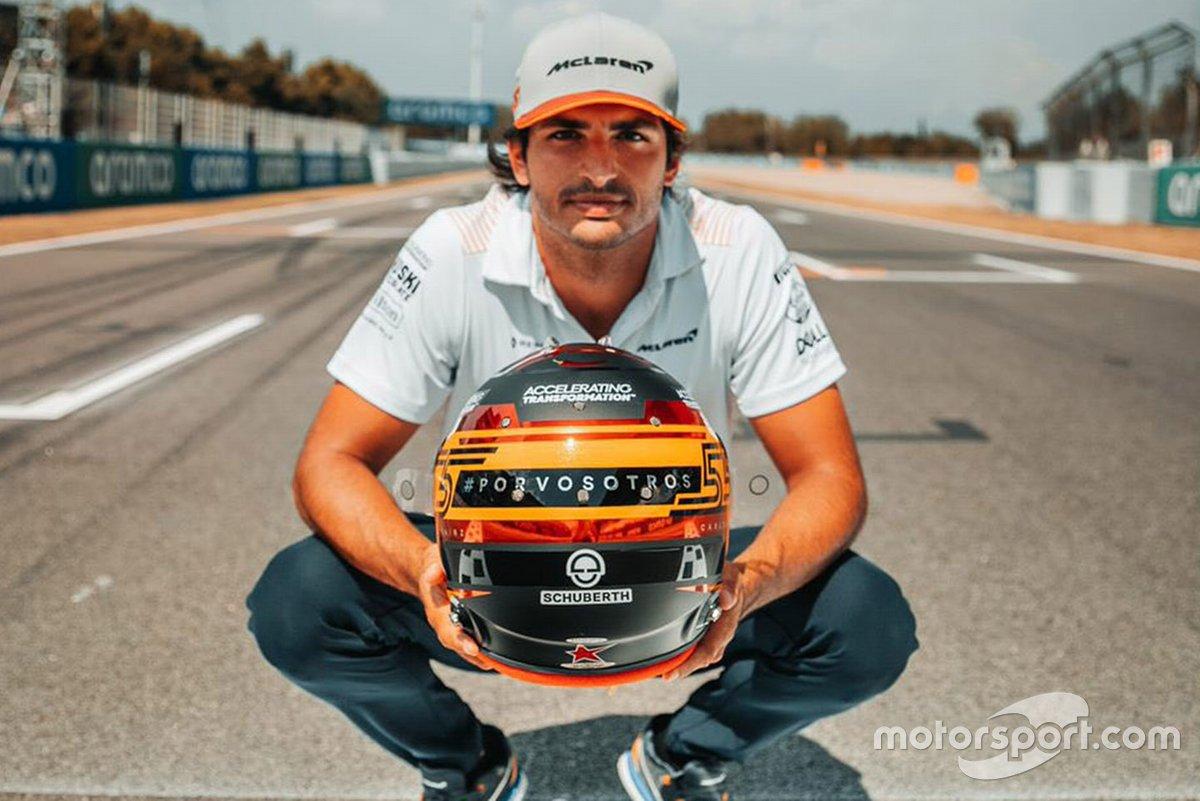 Il nuovo casco di Carlos Sainz Jr, McLaren