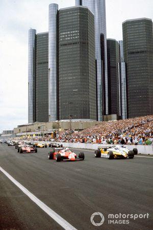 Start zum GP Detroit 1982: Alain Prost, Renault RE30B, führt