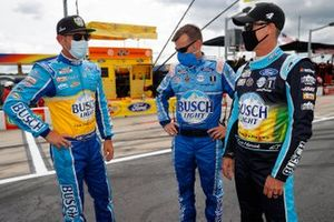 Clint Bowyer, Stewart-Haas Racing Ford, Crew chief Rodney Childers, Kevin Harvick, Stewart-Haas Racing, Ford