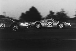 Edgar Barth, Herbert Linge, Porsche 904/8, leads Ben Pon, Henk van Zalinge, Porsche 904 GTS