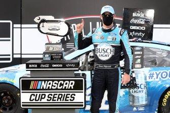 Winnaar Kevin Harvick, Stewart-Haas Racing, Ford Mustang