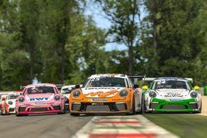 Porsche 911 GT3 Cup, #2 Dylan Pereira (L), #25 Larry ten Voorde (NL), #22 Ayhancan Güven (TR), Porsche Mobil 1 Supercup Virtual Edition
