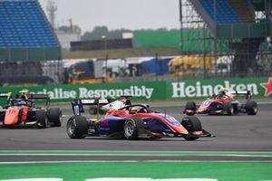Lirim Zendeli, Trident, leads Bent Viscaal, MP Motorsport
