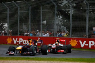 Mark Webber, Red Bull Racing RB6 Renault, leads Nico Hulkenberg, Williams FW32 Cosworth
