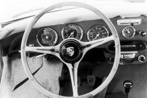 1964: Porsche 356 C steering wheel
