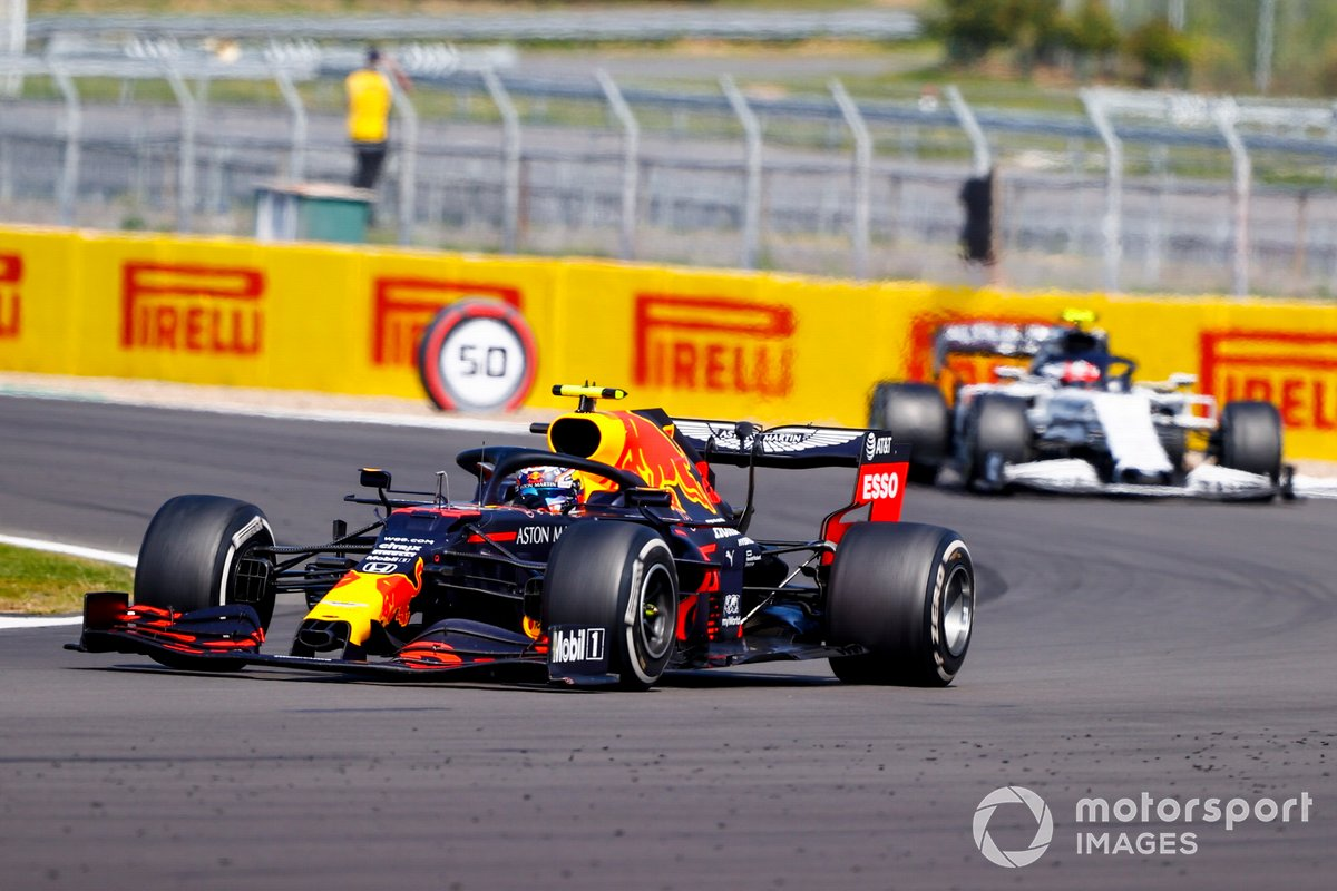 Alex Albon, Red Bull Racing RB16, Pierre Gasly, AlphaTauri AT01