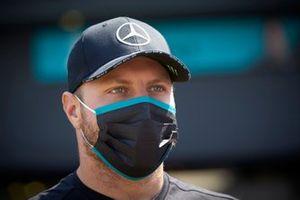 Valtteri Bottas, Mercedes-AMG Petronas F1 sepeaks to the media