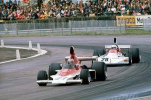 Mario Andretti, Parnelli VPJ4, Mark Donohue, Penske PC1 Ford