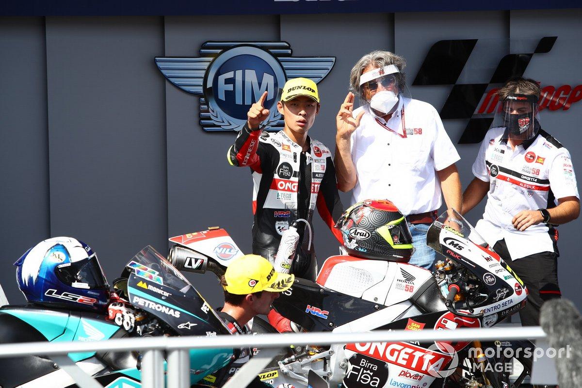 El ganador de la carrera Tatsuki Suzuki, SIC58 Squadra Corse
