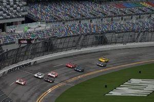 #7 Acura Team Penske Acura DPi, DPi: Helio Castroneves, Ricky Taylor, Race Start, Green Flag