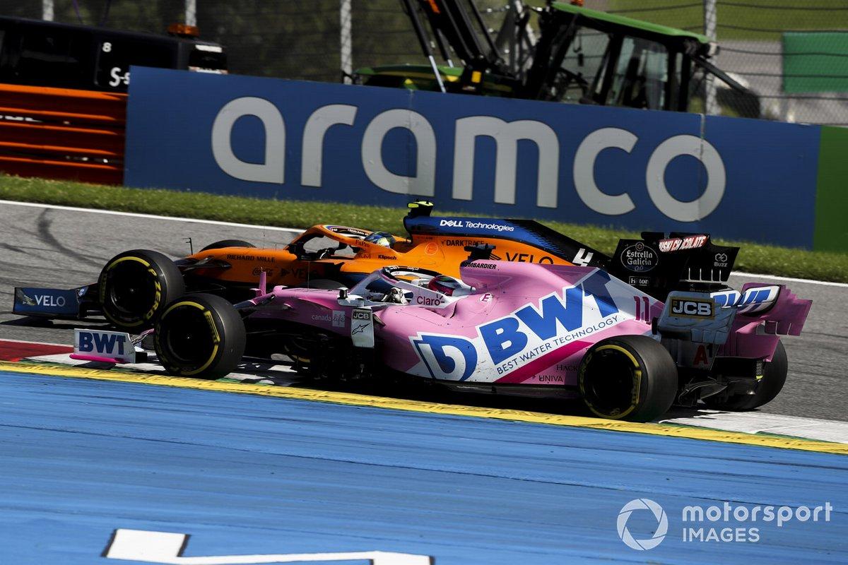Lando Norris, McLaren MCL35, pasa a Sergio Pérez, Racing Point RP20