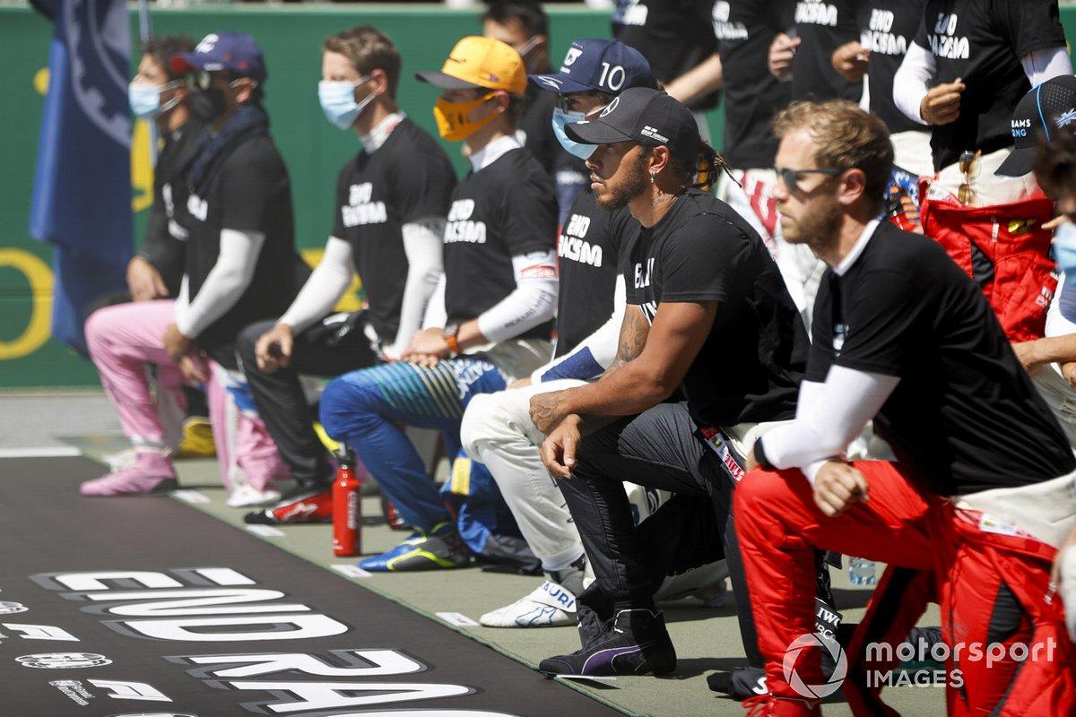 Lewis Hamilton, Mercedes-AMG Petronas F1 takes a knee