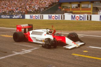 Stefan Johansson, McLaren MP4/3 finishing in 2nd position with only three wheels left on the car