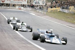 Rolf Stommelen, March 721 Ford devant Henri Pescarolo, March 721 Ford et Carlos Pace, March 711 Ford