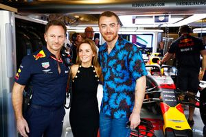 Christian Horner, Director del equipo, Red Bull Racing, Geri Horner y Sam Smith