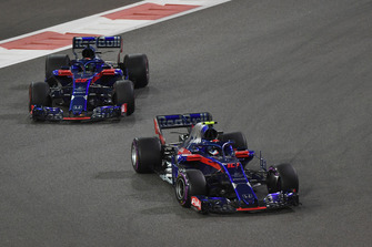 Pierre Gasly, Toro Rosso STR13 and Brendon Hartley, Toro Rosso STR13