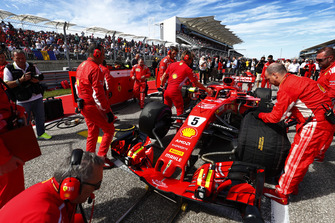 Sebastian Vettel, Ferrari SF71H, op de grid