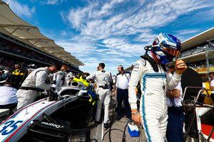 Sergey Sirotkin, Williams Racing, arriveert op de grid