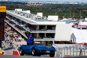 Brendon Hartley, Scuderia Toro Rosso, nella drivers parade
