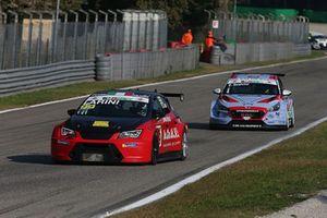 Andrea Larini, Seat Leon Cupra-TCR, Pit lane Competizioni