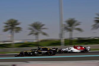Nico Hulkenberg, Renault Sport F1 Team R.S. 18 and Antonio Giovinazzi, Sauber C37