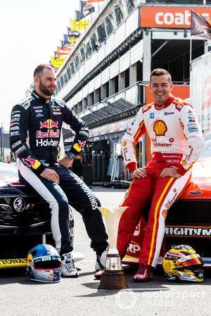 Шейн ван Гисберген, Triple Eight Race Engineering, и Скотт Маклафлин, DJR Team Penske