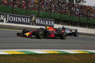 Max Verstappen, Red Bull Racing RB14 and Lewis Hamilton, Mercedes AMG F1 W09 EQ Power+ battle
