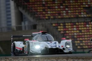 #50 Larbre Competition Ligier JSP217: Erwin Creed, Romano Ricci, Enzo Guibbert