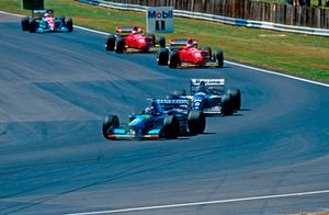 Michael Schumacher (Benetton B194 Ford), Damon Hill (Williams FW16 Renault)