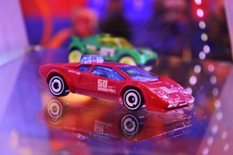 Diecast Lamborghini Countach Pace Car Hot Wheels