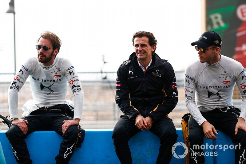 Jean-Eric Vergne, DS TECHEETAH, Pedro de la Rosa, Technical, Sporting Advisor, DS TECHEETAH, Andre Lotterer, DS TECHEETAH sit on the pit wall