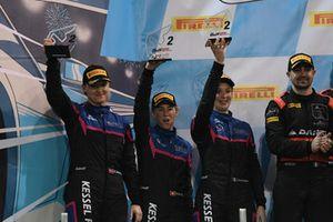 Podio PA: al secondo posto #83 Kessel Racing Ferrari 488 GT3: Manuela Gostner, Rahel Frey, Michelle Gatting