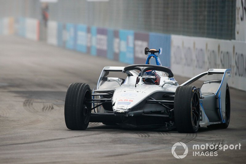 Edoardo Mortara, Venturi Formula E, Venturi VFE05 with damage to the front