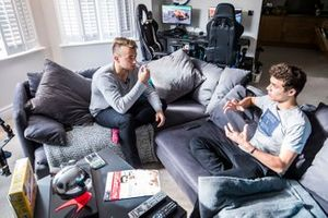 Lando Norris talks with Autosport journalist Jack Benyon