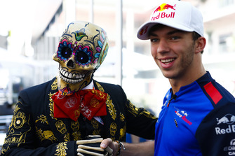 Pierre Gasly, Toro Rosso, meets a skeleton