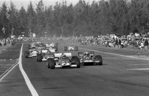 Clay Regazzoni, Ferrari 312B, voor Jackie Stewart, Tyrrell 001, Jacky Ickx, Ferrari 312B