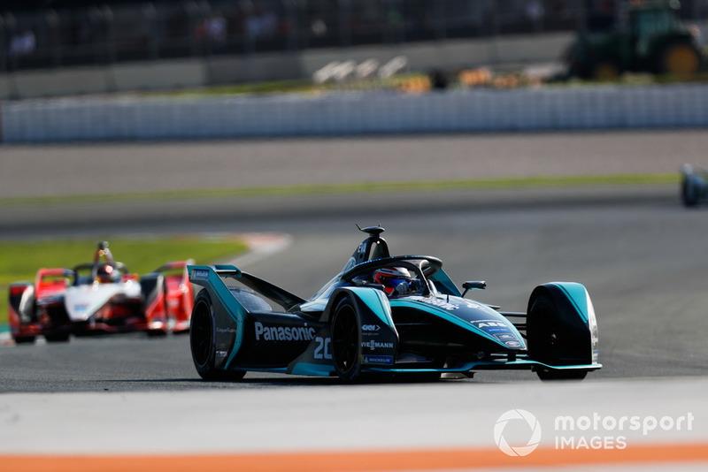 Mitch Evans, Panasonic Jaguar Racing, Jaguar I-Type 3, Pascal Wehrlein, Mahindra Racing, M5 Electro