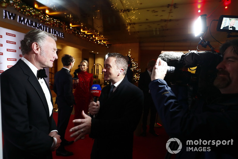 Craig Slater interviews Sean Bratches on the red carpet