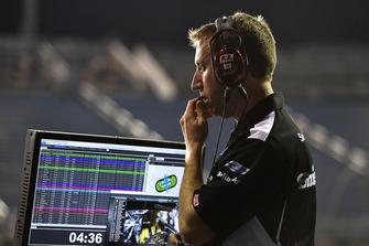 Aric Almirola, Stewart-Haas Racing, Ford Fusion Smithfield John Klausmeier