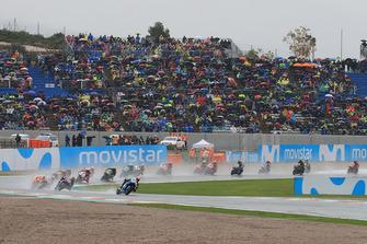 Alex Rins, Team Suzuki MotoGP, al comando alla partenza della gara