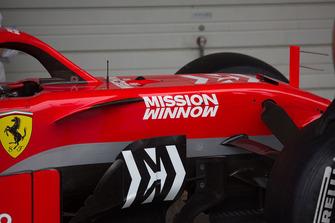 Cockpit de la Ferrari SF71H avec sa nouvelle livrée