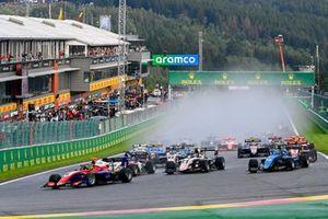 David Schumacher, Trident, Alexander Smolyar, ART Grand Prix, Logan Sargeant, Charouz Racing System, bij de start