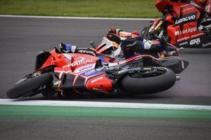 La chute de Marc Marquez, Repsol Honda Team et de Jorge Martin, Pramac Racing