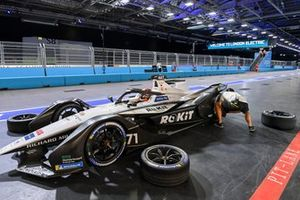 Norman Nato, Venturi Racing, Silver Arrow 02, in the pits