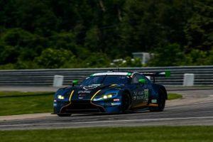 #23 Heart of Racing Team Aston Martin Vantage GT3, GTD: Ross Gunn, Roman De Angelis