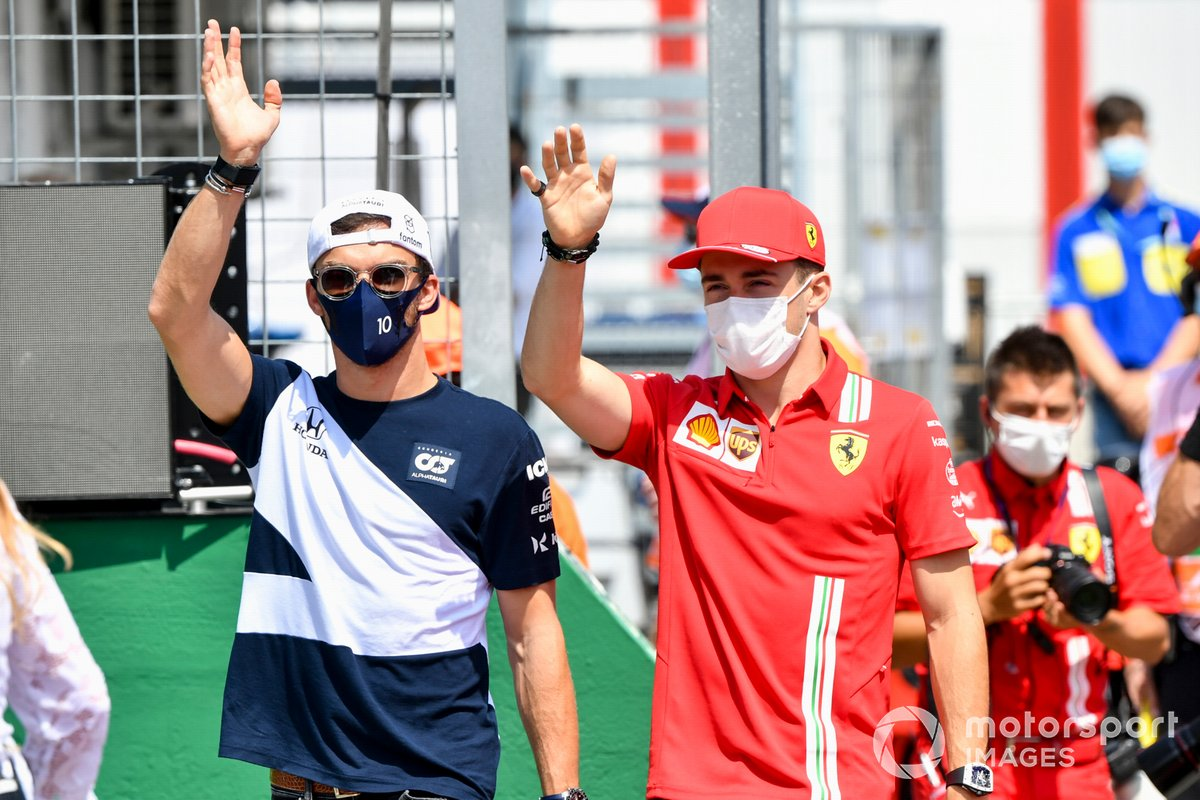 Pierre Gasly, AlphaTauri, Charles Leclerc, Ferrari in the drivers' parade