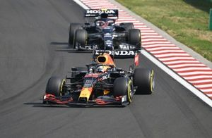 Max Verstappen, Red Bull Racing RB16B , Pierre Gasly, AlphaTauri AT02