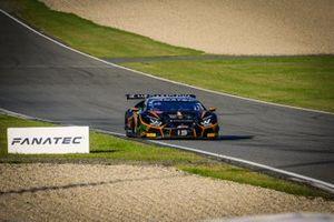 #19 Orange 1 FFF Racing Team Lamborghini Huracan GT3 Evo: Phil Keen, Stefano Costantini, Hiroshi Hamaguchi