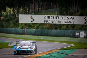 #18 KCMG Porsche 911 GT3-R: Edoardo Liberati, Josh Burdon, Alex Imperatori