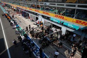 Mercedes mechanics practice a pitstop